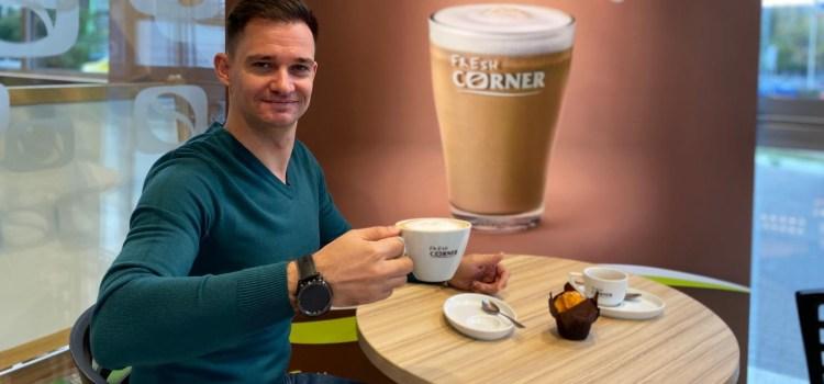 Interviu la cafea – Marius Dragne: Cele mai funny amintiri sunt cele legate de momentul cand iti da cafeaua in foc!