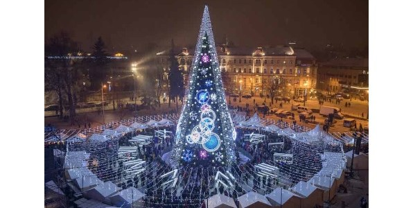 Vilnius Christmas Tree Ranks 1st Among Most Beautiful in Europe