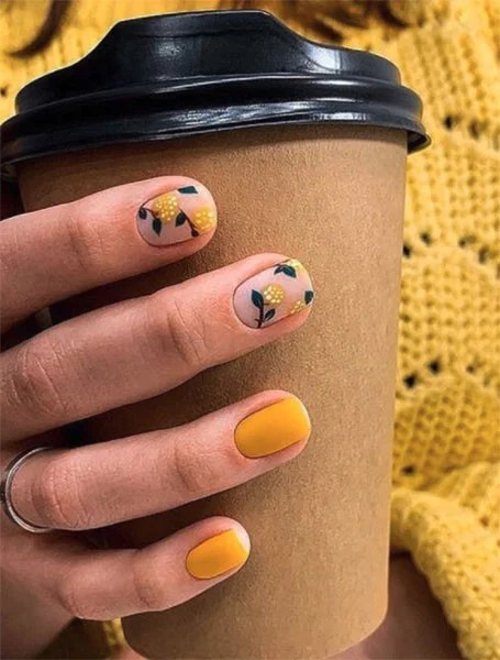 Yellow Floral Feature Nail