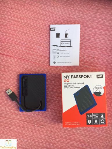 WD My Passport Go SSD Box items