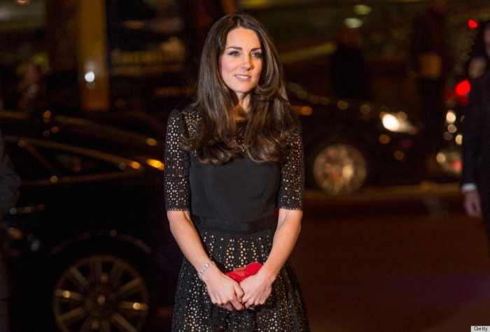 Kate Middleton attends the annual SportsAid dinner at Victoria Embankment Gardens November 28, 2013.