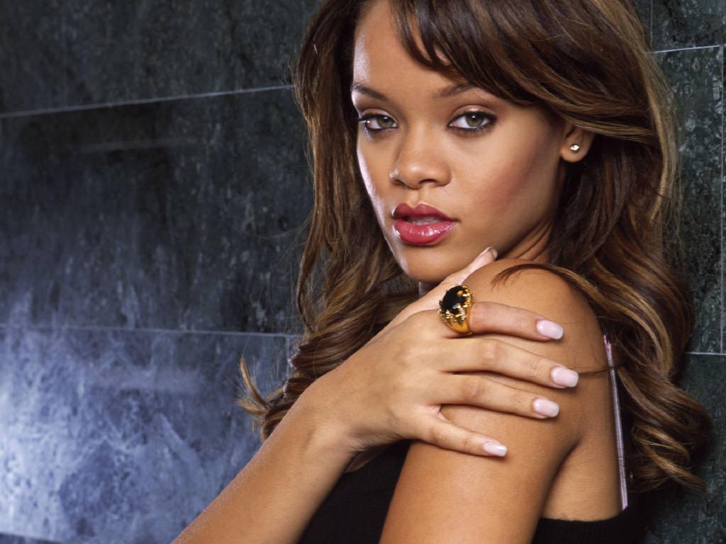 What that Rihanna see through paris can