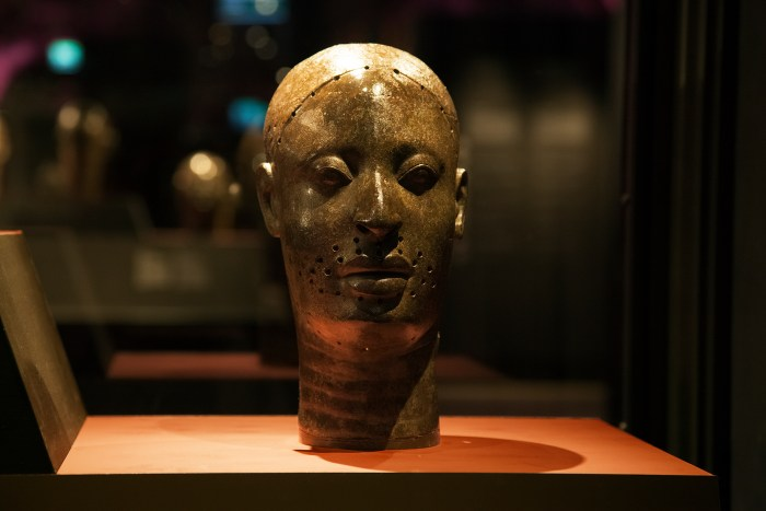 Benin Broze Head Stolen From Nigeria by British Soldiers
