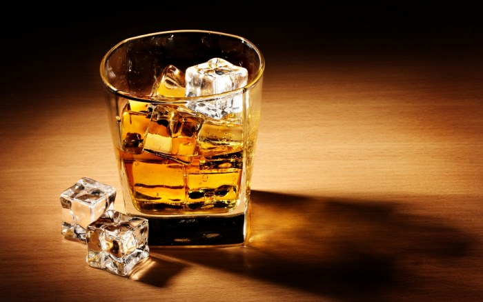 Drink Alcohol in glass ice The Trent