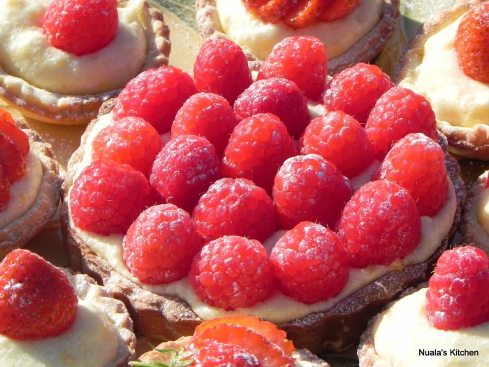 Fresh Fruit Tart with Creme Chiboust