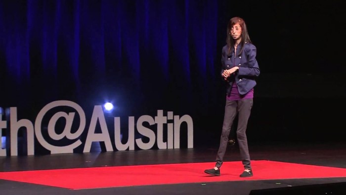 Lizzie Velasquez  speaking at a seminar