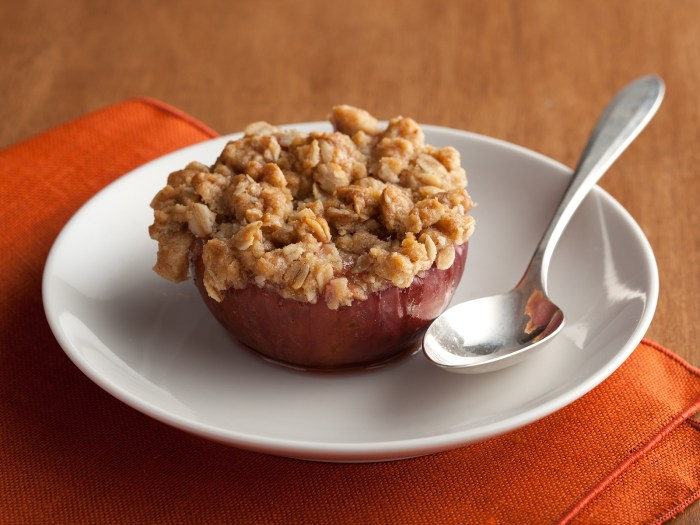 Baked Apple with Crisp Topping