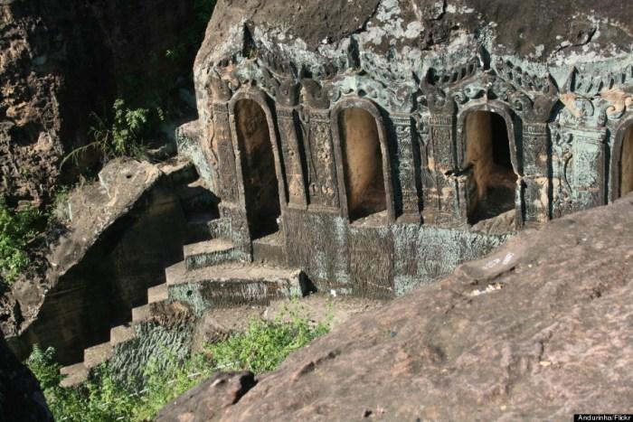 Phowintaung Caves Monywa, Myanmar