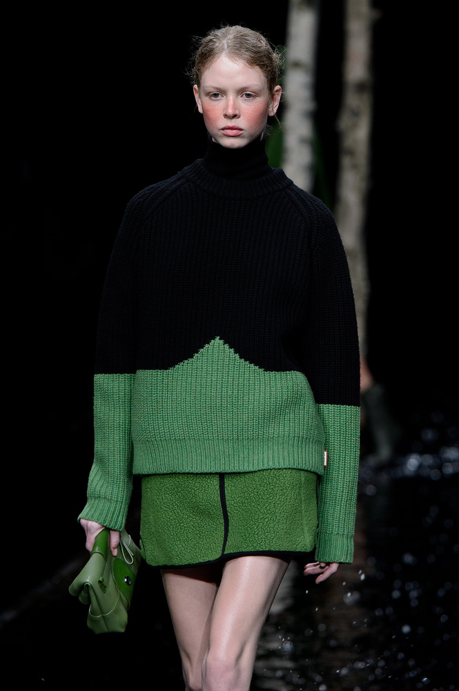 LONDON, ENGLAND - FEBRUARY 15: A model walks the runway at the Hunter Original show at London Fashion Week AW14 at University of Westminster on February 15, 2014 in London, England. (Photo Credit: Ben A. Pruchnie/Getty Images)