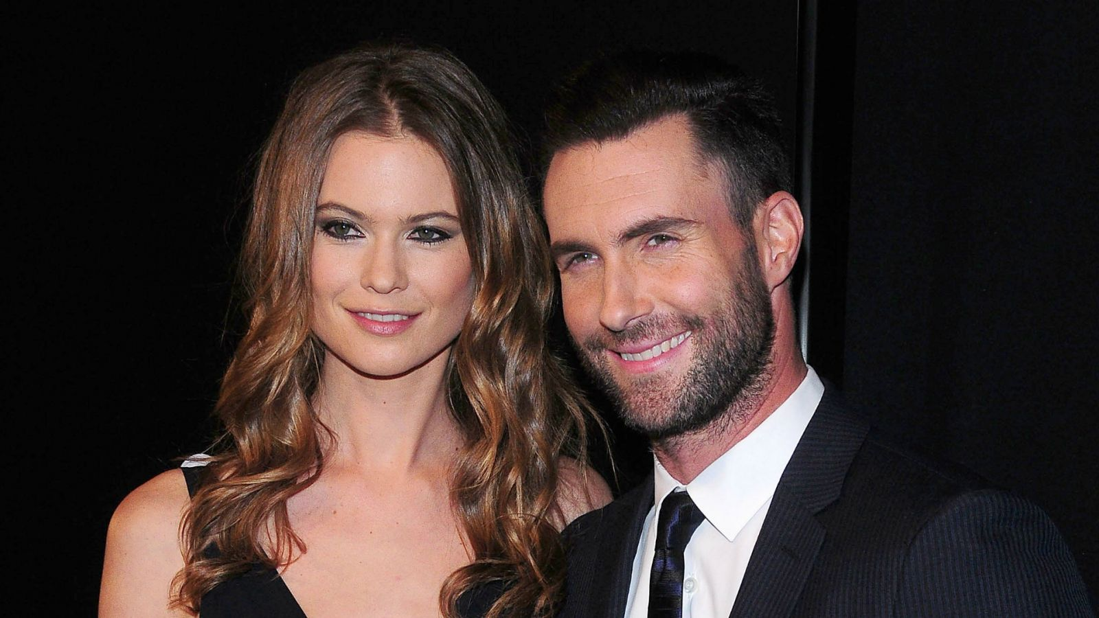 Victoria secret models dating maroon 5