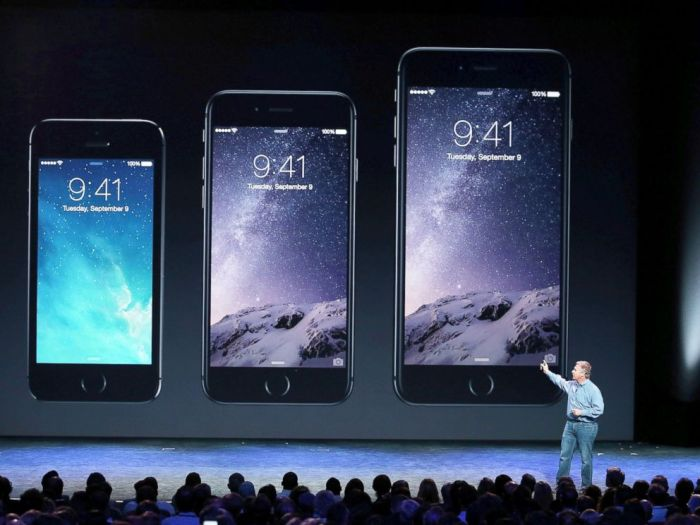 PHOTO: Apple Senior Vice President of Worldwide Marketing Phil Schiller announces the new iPhone 6 during an Apple special event at the Flint Center for the Performing Arts, Sept. 9, 2014, in Cupertino, Calif. [Photo Credit: Justin Sullivan/Getty Images]