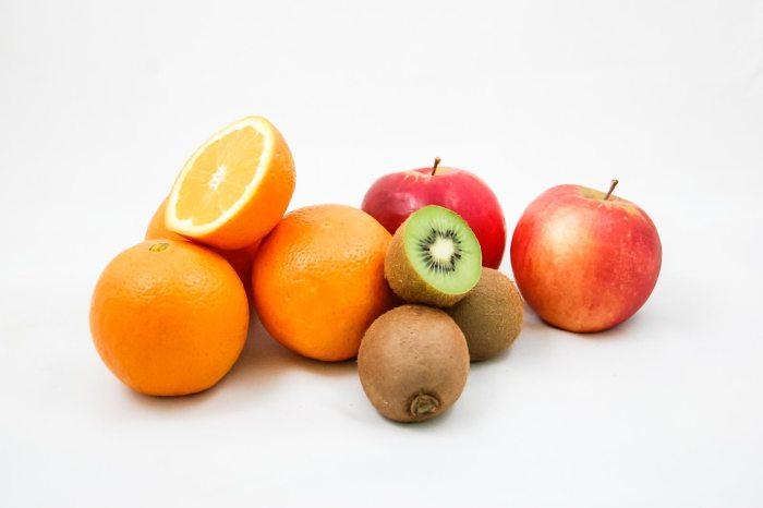 apples orange kiwi  fruits -428075