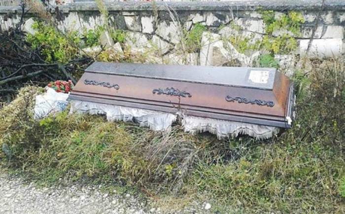 60-year old Verica Zunjic dumped her husband's coffin on the roadside (Photo Credit: Europics)