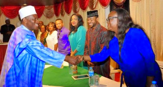 President Goodluck Jonatan pictured with Nollywood stars in Lagos on Saturday, January 24, 2015 (Photo Credit: Nollywood Mag)