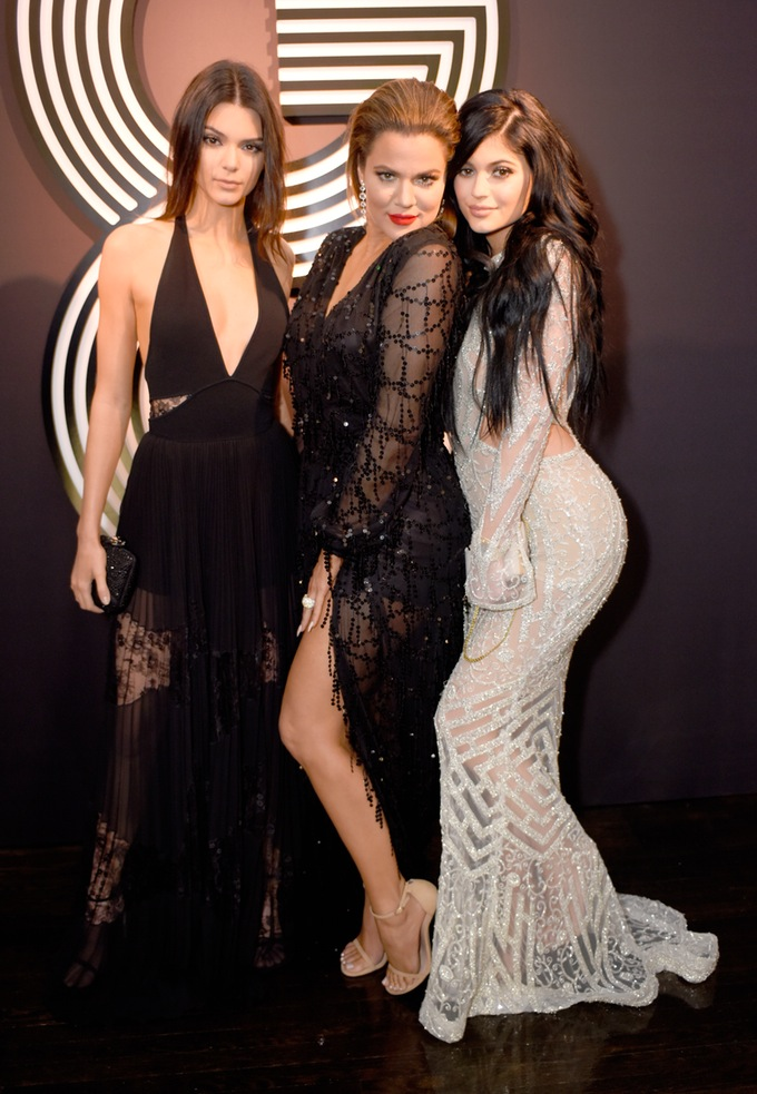 Kylie Jenner at the Grammy Awards on Sunday, February 8, 2015 with sisters, Khloe Kardashian and Kendall Jenner (Photo credit: Mail Online)