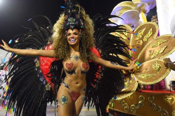 Revelers of the Vai-Vai samba school perform during the second night of carnival parade at the Anhembi Sambadrome in Sao Paulo, Brazil on February 15, 2015. (AFP PHOTO / NELSON ALMEIDA)