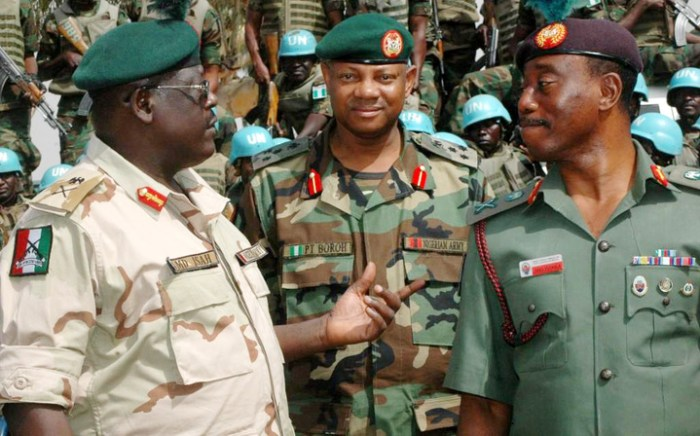 Maj.Gen Henry Ayoola(r) with Maj.Gen MD Isah,Commander Infantry Corps(l) and Brig Gen Paul Boroh(c) pictured in May 2012