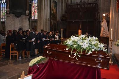 Deinde-Fernandez-Burial-10