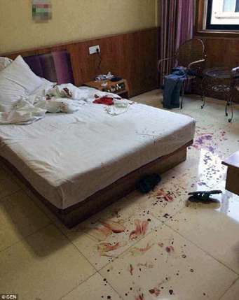 Traces of blood seen all over the hotel room after a part of Liu's penis was cut off by his lover, Zhang. (Photo Credit: CEN)