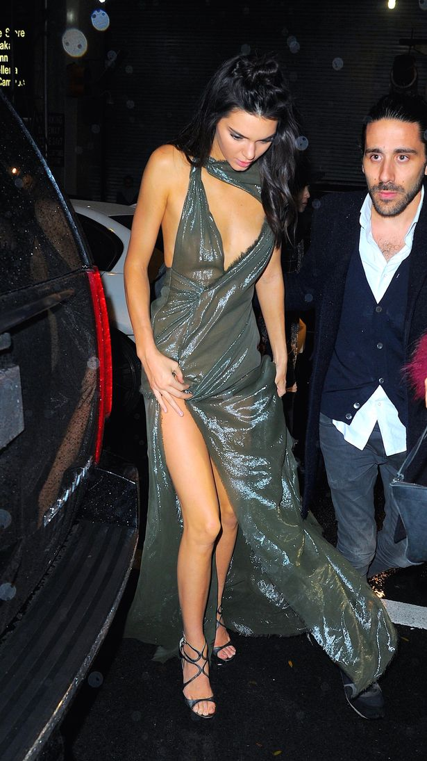Kendall arrived at the after party in a stunning metallic gown | GC Images