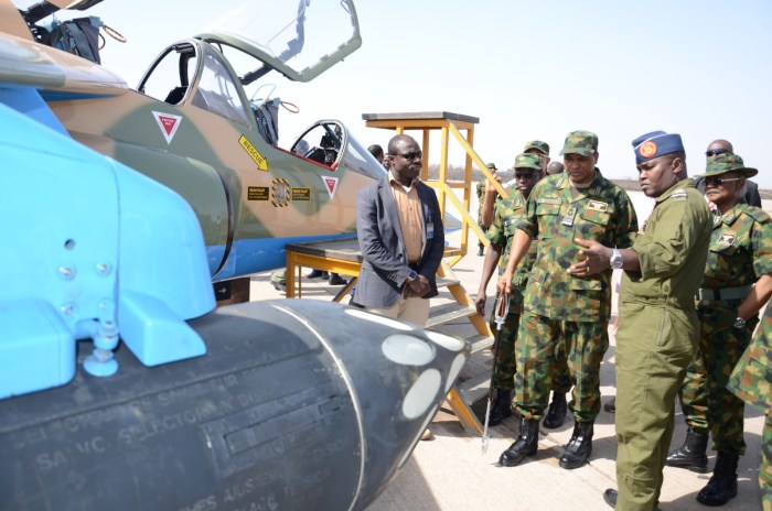 Commander 99 ACTG Kainji briefing the CAS, Air Mshl SB     Abubakar and other senior officers on the reconfigured Alpha Jet | NAF Photo