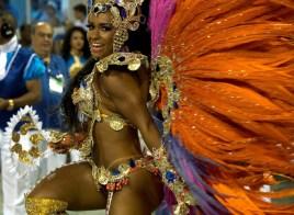 Brazilian model Raisa de Oliveira, reveler of Beija-Flor samba school performs during the first night of the carnival parade at Sambadrome in Rio de Janeiro, Brazil on February 8, 2016. AFP PHOTO/ VANDERLEI ALMEIDAVANDERLEI ALMEIDA/AFP/Getty Images