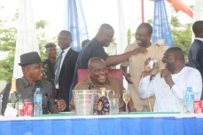 Governor Nyesom Wike and other PDP chieftains at a praise session to the Almighty for grace granted the party in Rivers over the weekend. The party won the legislative rerun elections which held on March 19, 2016   Oraye St. Franklyn
