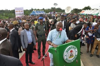 Governor Nyesom Wike at the commissioning of the Igwuruta-Chokocho Federal Road on Wednesday, September 28, 2016 | Rivers Gov't Photo
