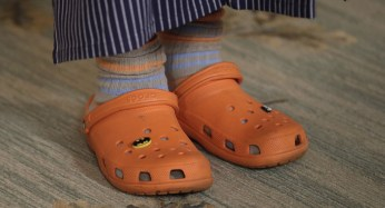 American chef Mario Batali wears his signature orange Crocs during a preview of Tuesday's State Dinner.   AP Photo