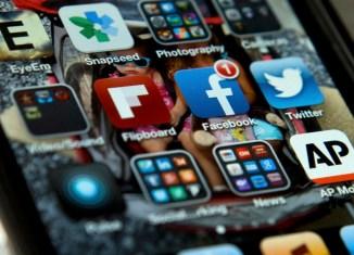 social media tips apps build