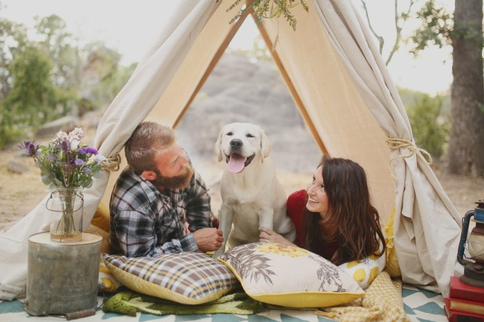 couple tent sex