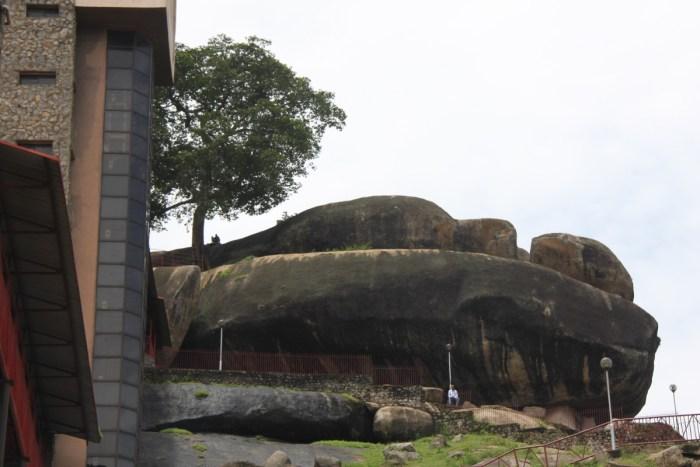 Olomu Rock Landmarks