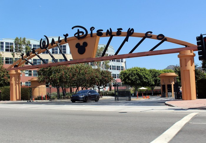 Walt Disney Studios entrance at Alameda | Wikipedia