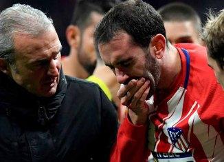 Atletico Defender Godin Loses 3 Upper Teeth After Bad Collision