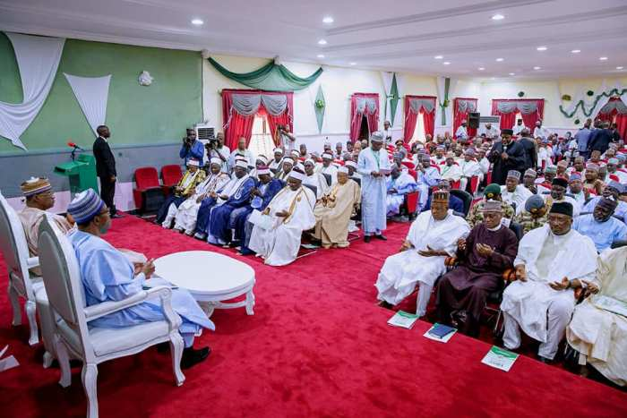 Buhari Pays Sympathy Visit To Yobe Following Abduction Of 110 Dapchi Schoolgirls