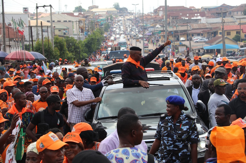 Huge Crowds In Ondo As Former Governor Mimiko Rejoins Labour Party