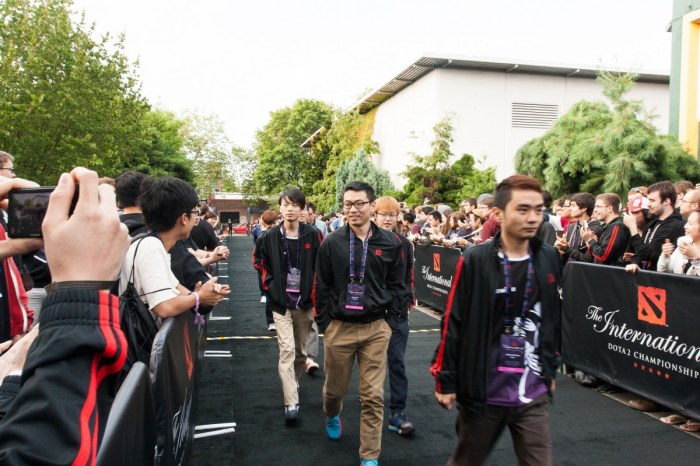 A team arrives at The International to compete for Dota 2 championship at KeysArena, Seattle, US in July 2014 | Jakob Wells/Flickr