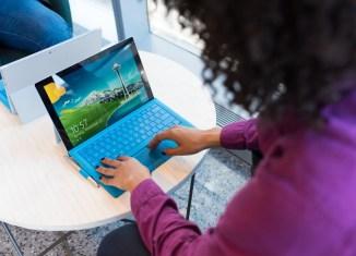 virtual assistant women woman laptop office tech