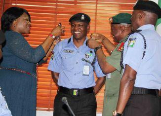 Police PRo, Frank Mba