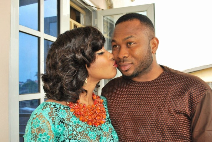 Tonto Dikeh kisses her then husband, Olakunle Churchill, an alleged ritualist and internet fraudster, when the going was good