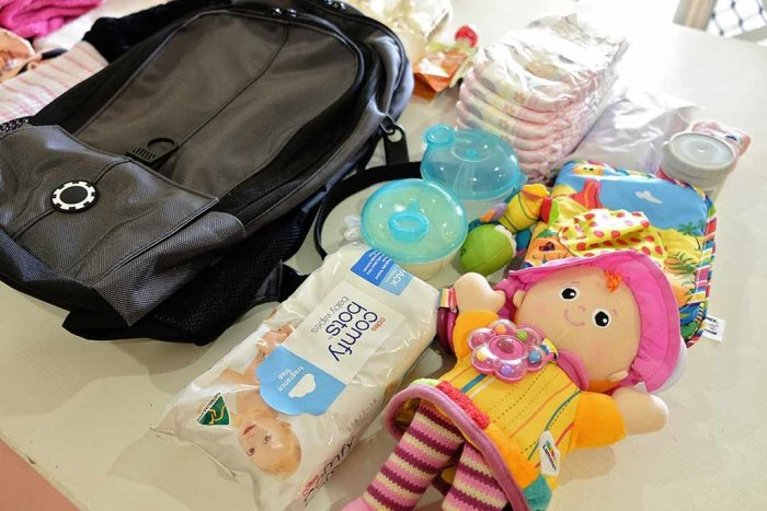 travelling mom baby backpack