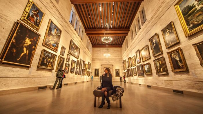 A woman sits in the Museum of Fine Arts, Boston Thomas Hawk/Flickr (Creative Commons)