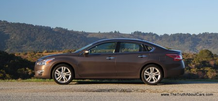 2013 Nissan Altima 3.5 SL, Exterior, Side, Picture Courtesy of Alex L. Dykes