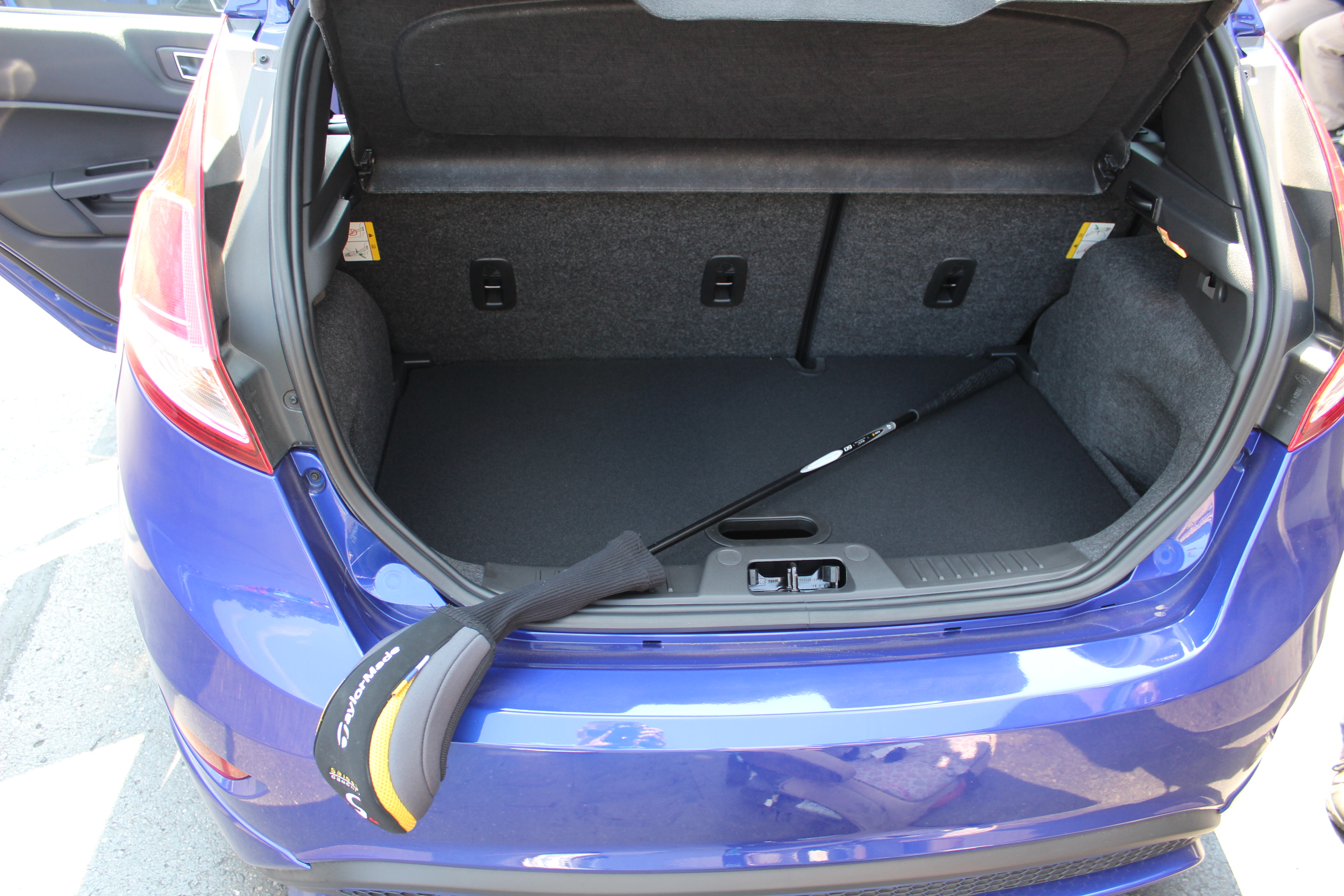 How Will Golf Clubs Fit in a Ford Focus?