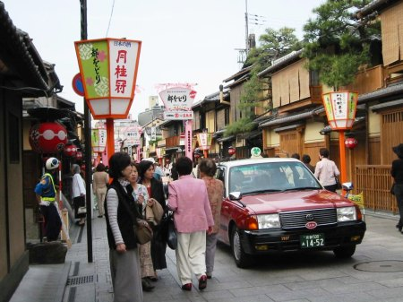 kyoto-streets-of-gion-1