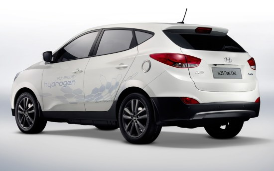 Hyundai-Tucson-ix35-fuel-cell-crossover-rear-side-view