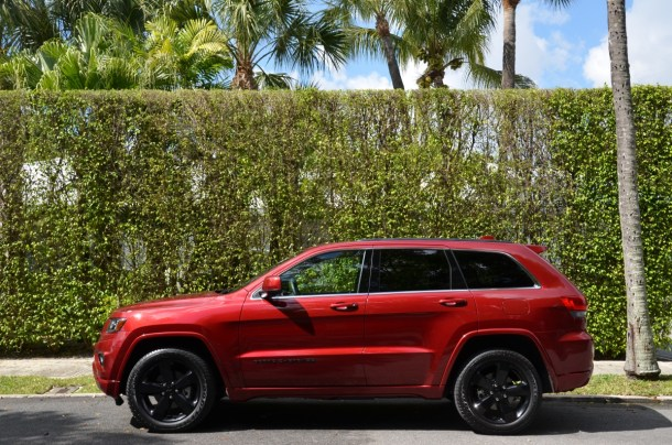 2015 jeep grand cherokee altitude side
