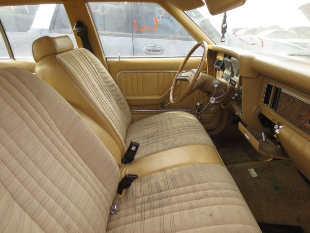 1979 Ford Granada front seat in California junkyard - © 2016 Murilee Martin / The Truth About Cars