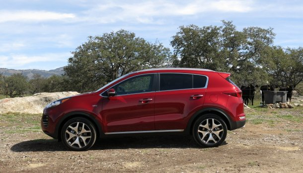 2017 Kia Sportage Exterior Side, Image: © 2016 Alex Dykes/The Truth About Cars