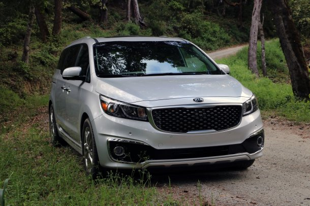 2016 Kia Sedona Exterior Front, Image: © 2016 Alex L. Dykes/The Truth About Cars